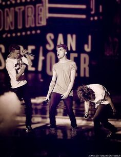 Amazing picture of Liam, Zayn, and Harry performing!