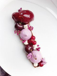 chocolate pate, cherry meringues, black current sorbet, cardamom creme and fresh berries. Cherry Desserts, Desserts Menu, Desserts For A Crowd, Plated Desserts, Dessert Recipes, Elegant Desserts, Beautiful Desserts, Fancy Desserts, Just Desserts