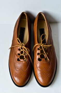 Vintage Womens Brown Brogue Oxfords Size 10