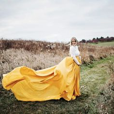 The Kalani Skirt is an essential to any maternity photographer. The skirt is a wrap around chiffon skirt with a long chiffon sash to tie on. Maternity Maxi Skirts, Maternity Gowns, Maternity Fashion, Gold Skirt, Chiffon Skirt, Windy Skirts, Winter Engagement, Maternity Photographer, Pregnancy Photos