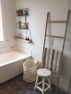 Ik was al een tijdje op zoek naar mooie wandplanken voor bij het bad en heb de ideale combinatie gevonden met deze WOOOD Meert wandplank!