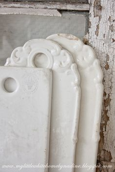 Old porcelain cutting boards- I'd love to find one of these at the flea!
