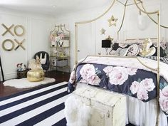 Jessica Alba's 4-year-old daughter Haven was recently ready to move from her crib to a big girl bed, so she's gotten a total room makeover that has us all sort of wishing we could be adopted by her mom. I mean, being Jessica Alba's kid would be a pretty awesome gig on any day of the week, but wow. Take a look at this bed: Love this gorgeous room for @jessicaalba 's little one, Haven. Modern and timeless which will grow with her, but eq… pic.twitter.com/VZnXkoDhP7 — Kinderoo Interiors…