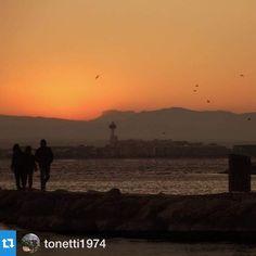 #aRoses les postes de sol són precioses! Gràcies @tonetti1974 per compartir la teva amb nosaltres! I tu? Etiqueta les fotos fetes #aRoses i amb #VisitRoses・・・De les meves postes de sol.. #aroses #visitroses #incostabrava @costabravapirineu #colorscostabrava @colorscostabrava #igerscatalunya #igersemporda #instagramcatalunya #gaudeix_cat #descobreixcatalunya #catalunyaexperience #elmeupetit_pais #clickcat #nuriss_tag #natura_catalunya #catalunya #badiaderoses #capvespre #sunset