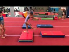 Videoed in Costa Rica. Drills to transition cartwheel to roundoff for developmental gymnasts. Gymnastics For Beginners, Gymnastics Lessons, Gymnastics Levels, Preschool Gymnastics, Gymnastics Room, Tumbling Gymnastics, Gymnastics Coaching, Gymnastics Training, Gymnastics Videos