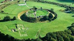 Arqueólogos descobriram as ruínas subterrâneas de uma cidade medieval na Inglaterra que remonta ao final do século 11.
