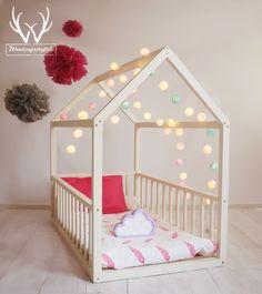 Молочно-белая кровать-домик с бортиками (с рождения до 6 лет)