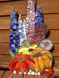 518 Best Mosaic Project Ideas Images Leaded in Flower Mosaic Craft Mosaic Garden Art, Mosaic Pots, Mosaic Diy, Mosaic Crafts, Mosaic Projects, Mosaic Glass, Mosaic Ideas, Mosaic Flowers, Stained Glass Flowers