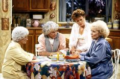 Hoy echo la vista atrás para recordar una de las series que más ha transcendido en la historia de la televisión, amistad y cheesecake son la clave