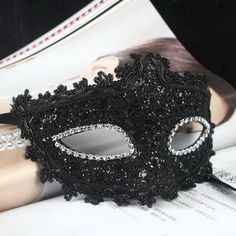 How to Make a Paper Mache Mask With a Foil Mold