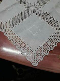 Mantel a crochet Crochet Butterfly Free Pattern, Crochet Boarders, Crochet Doily Diagram, Crochet Edging Patterns, Crochet Lace Edging, Crochet Motifs, Filet Crochet, Crochet Doilies, Crochet Flowers