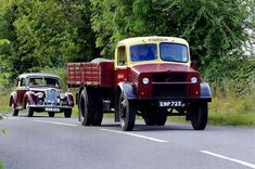 See our web site for more info on classic cars. It is actually a great area to find out more. Vintage Trucks, Old Trucks, Classic Trucks, Classic Cars, Vauxhall Motors, Bedford Truck, 1950s Car, Old Lorries, Road Transport