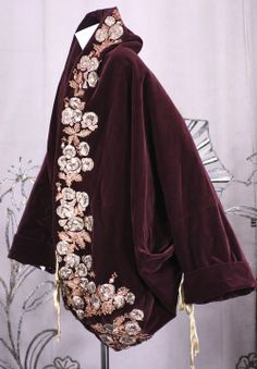 Romeo Gigli - Velvet Cocoon Coat from the Orientalist Collection Retro Fashion, Vintage Fashion, Romeo Gigli, Fashion Collage, Vintage Coat, Japanese Fashion, Lace Fabric, Fashion History, Coats For Women