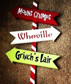 36 Whoville Grinch Christmas Yard Art Sign Decoration by WoodBeeUs. I need this with the Grinch yard cut out. Grinch Party, Le Grinch, Grinch Christmas Party, Christmas Yard Art, Office Christmas Party, Christmas Signs, Christmas Projects, Simple Christmas, Grinch Pills