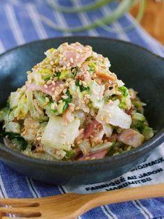 1/4株なんてペロリ♪旨味ましまし♪『ごまマヨおかか de 白菜とベーコンの無限サラダ』 : 作り置き&スピードおかず de おうちバル 〜yuu's stylish bar〜