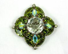 Small Chunky Schreiner Brooch / Pin Green Crystal by imagiLena