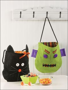 Quilting - Clothing & Accessories Patterns - Bag & Tote Patterns - Halloween Treat Bags