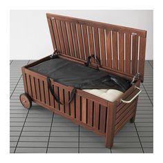 IKEA - ÄPPLARÖ / TOSTERÖ, Bænk med opbevaringstaske, ude, , Du kan nemt og effektivt beskytte dine udendørs hynder og puder i en vandtæt opbevaringspose, så de ser nye og flotte ud i lang tid.Hjul gør den nem at flytte.Møblerne er forbehandlet med flere lag semitransparent træbejdse, så du kan nyde træets naturlige udseende og for at gøre det ekstra holdbart.