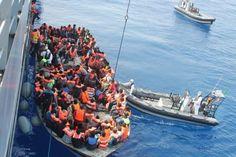 Migranti, asilo più rapido e rimpatri più facili