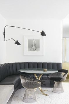 Home Interior design. Armadale Residence by Travis Walton Architecture - Australian Interior Design Awards Dining Room Sets, Dining Nook, Dining Room Lighting, Dining Room Design, Dinning Table, Sconce Lighting, Kitchen Lighting, Dining Chairs, Australian Interior Design