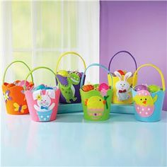 Set of 6 Felt Easter baskets.