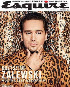 Krzysztof Zalewski para Esquire Polonia por Dawid Klepadło Esquire, Portrait, Cover, Movie Posters, Polish, Pageants, Moda Masculina, Fast Finishers, Poland
