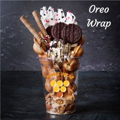 Cute Desserts, Delicious Desserts, Dessert Recipes, Yummy Food, Waffle Ice Cream Sandwich, Bubble Waffle, Food Goals, Waffle Recipes, Cafe Food