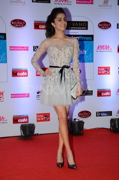 Shraddha Kapoor attended HT Mumbai's Most Stylish Awards 2015 on Thursday. The actress won the Reader's Choice (Female) Award at the event and perfor. Indian Bollywood, Bollywood Stars, Bollywood Fashion, Beautiful Bollywood Actress, Beautiful Indian Actress, Indian Celebrities, Bollywood Celebrities, Shraddha Kapoor Cute, Shraddha Kapoor Instagram