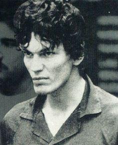 Ricardo Leyva Ramírez Muñoz, también conocido por el apodo de «The Night Stalker» fue un asesino en serie estadounidense de origen mexicano que mató a 14 personas en la ciudad de Los Ángeles entre los años 1984 y 1985