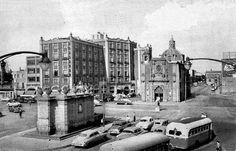 Fuente de Salto de Agua y Hotel Virreyes 1955