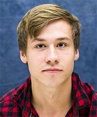 View yourself with David Kross hairstyles and hair colors. View styling steps and see which David Kross hairstyles suit you best. Celebrity Hairstyles, Easy Hairstyles, David Kross, Hair Styles 2014, Cut And Color, New Hair, Beautiful Men, Fangirl, Crushes