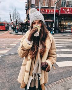 winter outfit - -Cozy winter outfit - - Viaja a El Continente con The Witcher Viaje al universo de Geralt de Rivia de la mano de The Witcher de Netflix I.