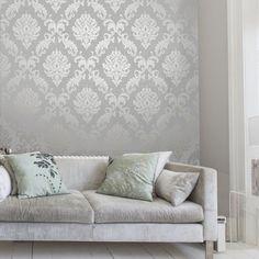 papier peint tendance en gris perle orné d'arabesques argentées