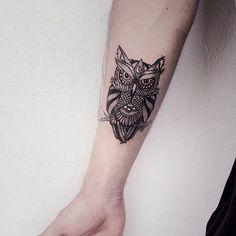tattoo coruja aquarela ile ilgili görsel sonucu - Tattoo For Women Owl Tattoo Small, Colorful Owl Tattoo, Geometric Owl Tattoo, Small Tattoos, Mini Tattoos, Body Art Tattoos, Sleeve Tattoos, Tattoo Designs, Owl Tattoo Design