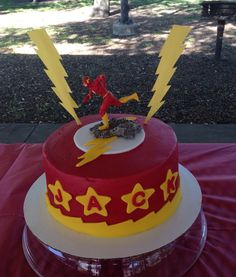 The Flash super hero cake