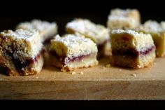 Austrian raspberry shortbread squares by Smitten Kitchen. So totally adding these to the Christmas cookie list. which at the rate it's going means I'll be baking for the entire months of December! Shortbread Bars, Shortbread Recipes, Baking Recipes, Cookie Recipes, Dessert Recipes, Bar Recipes, Party Desserts, Mini Desserts, Dessert Ideas