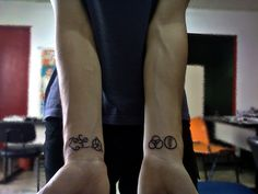 Vaive get this! Band Tattoo, Tattoo You, New Tattoos, Led Zeppelin Symbols, Piercings, Ink, Confused, Horns, Butterflies