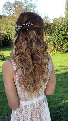 Wedding Hair Brunette, Half Up Wedding Hair, Romantic Wedding Hair, Wedding Hair Flowers, Bridal Hair With Flowers, Bridal Hair Half Up With Veil, Blonde Bridal Hair, Wedding Hair Pins, Bride Hairstyles With Veil