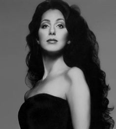 Nice photo of Cher not sure what's going on with the top of her arm!!