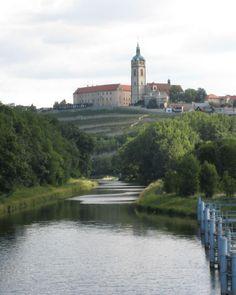 Mělník (Bohême centrale), Tchéquie #Czechia #castles Destinations, Castles, Around The Worlds, Bohemia, Chateaus, Travel Destinations, Castle, Palaces, Forts