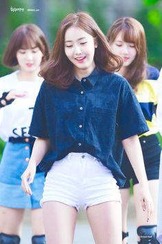 dedicated to female kpop idols. Gfriend And Bts, Sinb Gfriend, Kpop Fashion, Korean Fashion, Womens Fashion, South Korean Girls, Korean Girl Groups, Nice Thighs, Petite Shorts
