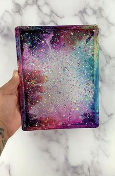 Diy Resin Tray, Diy Resin Crafts, Easy Diy Crafts, Diy Crafts To Sell, Money Making Crafts, Epoxy Resin Wood, Resin Art, Resin Jewelry, Arts And Crafts