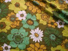 Vintage 1970s Cotton Mix Basket Weave Fabric Retro Green Yellow Big Daisies | eBay