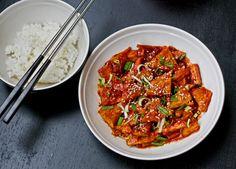 Maikki the sake of convenience: Korealaisittain seasoned tofu and seesamikurkkuja + to fry the tofu so perfectly