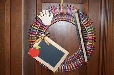 Crayon Wreath - Teacher Gift - Teacher Wreath - Teacher Appreciation - Teacher Thank You - Back to S Teacher Crayon Wreath, Teacher Wreaths, School Wreaths, Thank You Teacher Gifts, Teacher Appreciation Gifts, Art Classroom, Future Classroom, Classroom Ideas, Clothes Pin Wreath