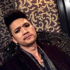 Peace out! Hope you had fun getting a glimpse of my day on set. #Shadowhunters #HarryTakeover - @harryshumjr