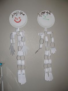 GENIUS! Make a skeleton out of paper plates and paper link chains! #DIY #Kids Craft #Halloween art project