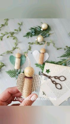 Country Christmas Decorations, Christmas Crafts For Kids, Diy Christmas Ornaments, Christmas Projects, Holiday Crafts, Christmas Time, Cork Ornaments, Holiday Decorating, Diy Crafts To Do