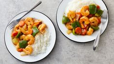 Tender shrimp, colorful veggies and steaming rice are served Asian style! (Rice ISN'T included in Nutrition information, so eat it without it) Sweet And Spicy Shrimp, Spicy Shrimp Recipes, Seafood Recipes, Dinner Recipes, Cooking Recipes, Healthy Recipes, Fish Recipes, Dinner Ideas, Asian