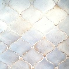 My favorite tile. (Walker Zanger tile) Perfect for kitchen backsplash or the master bath. Walker Zanger, Tadelakt, My Pool, Bath Remodel, Shower Remodel, Kitchen And Bath, Beige Kitchen, Kitchen Backsplash, Backsplash Ideas